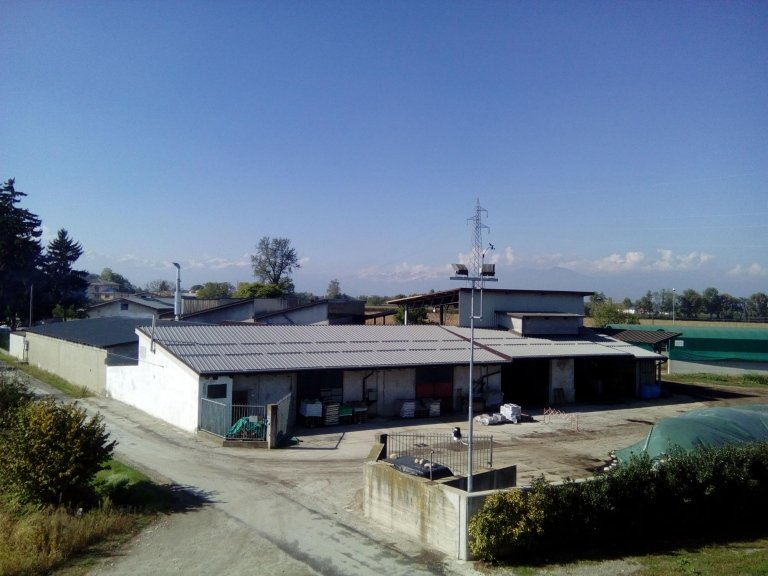 Azienda capannone lavorazione